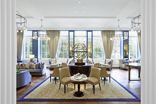 Glamourland Waldorf Astoria Peacock