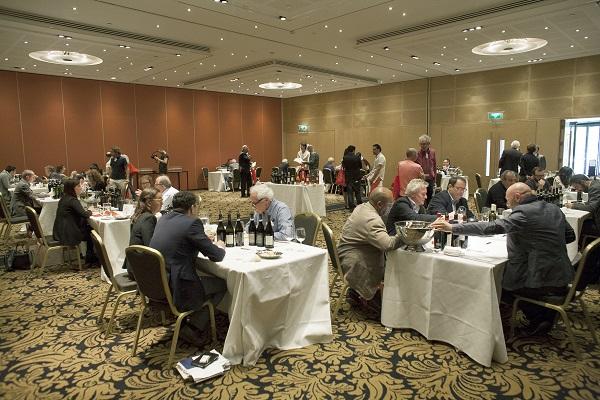 Glamourland Verona Wine Top