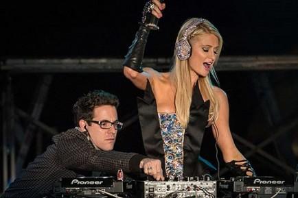 Glamourland Paris Hilton DJ