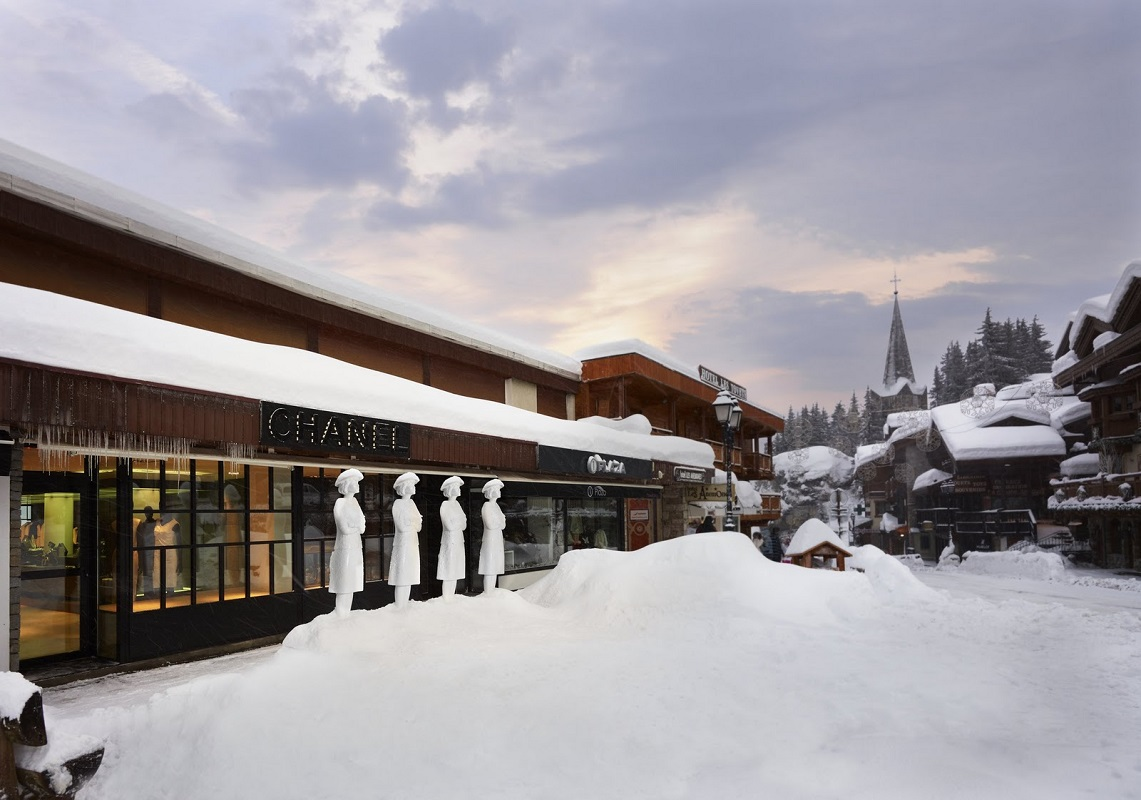Glamourland CHANEL BOUTIQUE COURCHEVEL