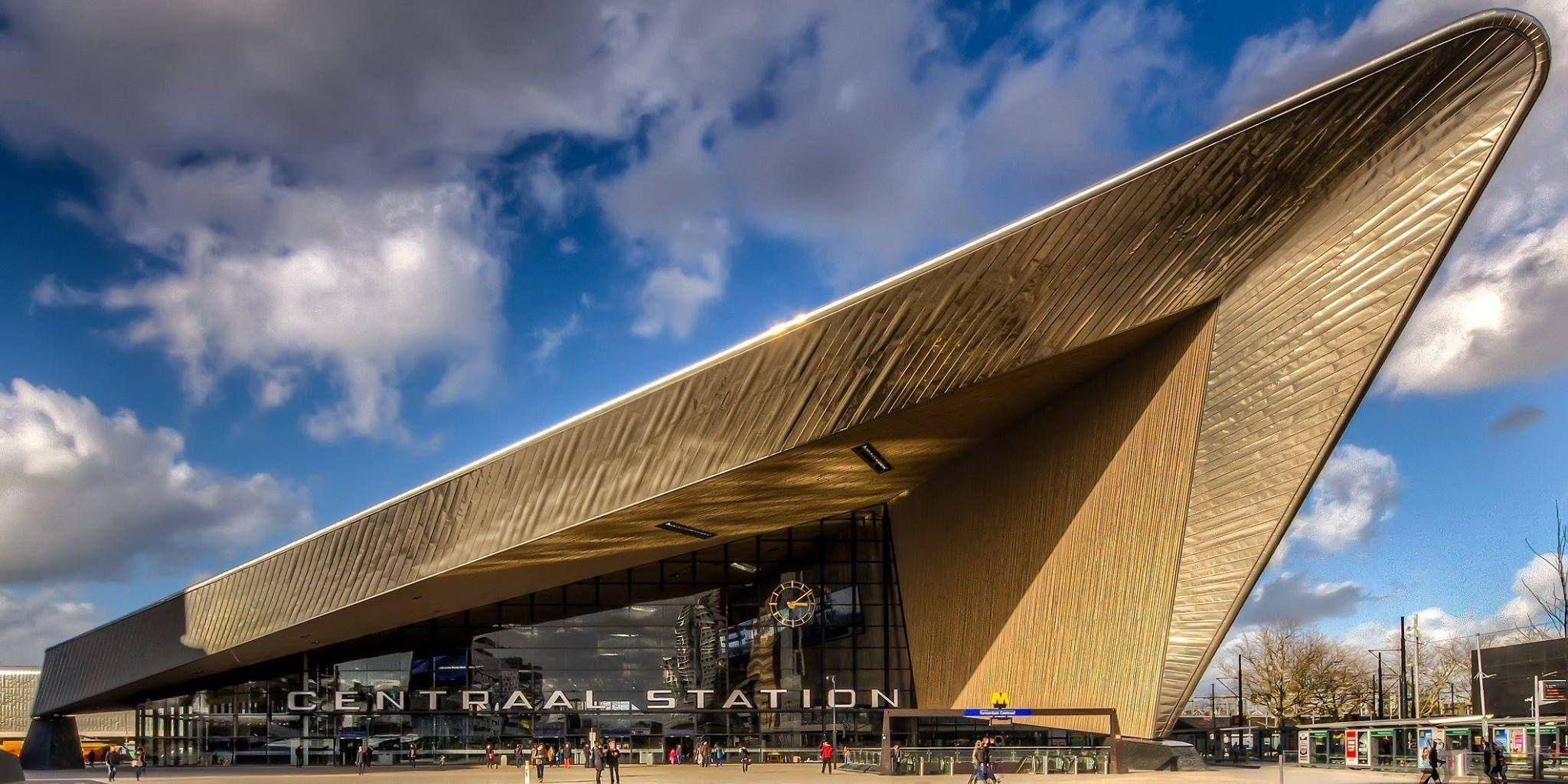 Glamourland centraal station Rotterdam