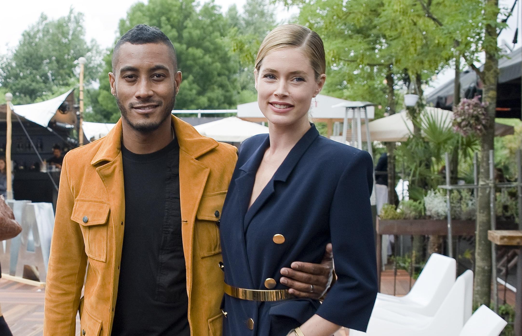 FashionWeek Amsterdam: Doutzen Kroes straalt bij show María Clè Leal