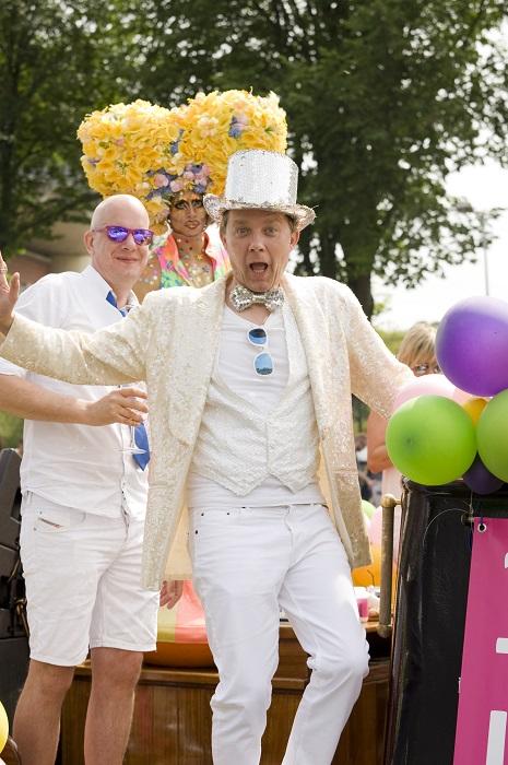 Gay Pride Derek Glamourland