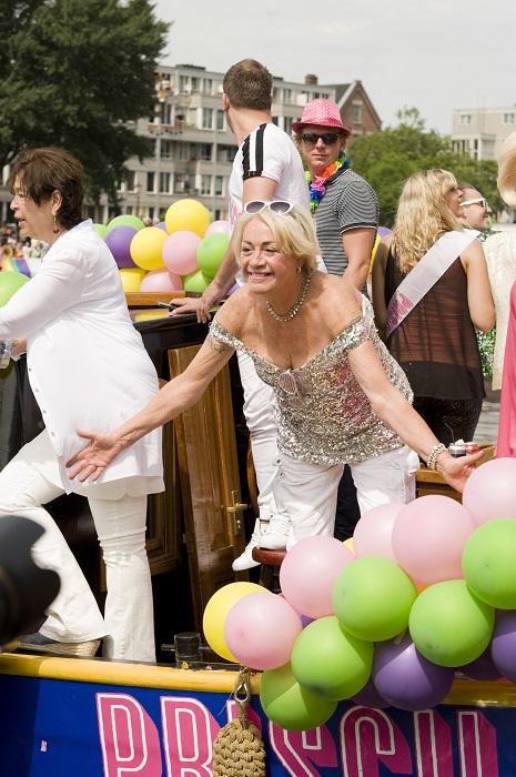 Gay Pride Viola Holt Glamourland