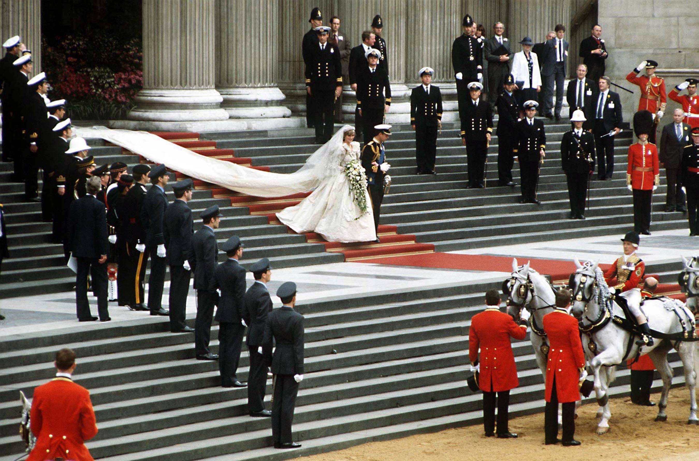 Zoveel kostte het huwelijk van Lady Di en prins Charles