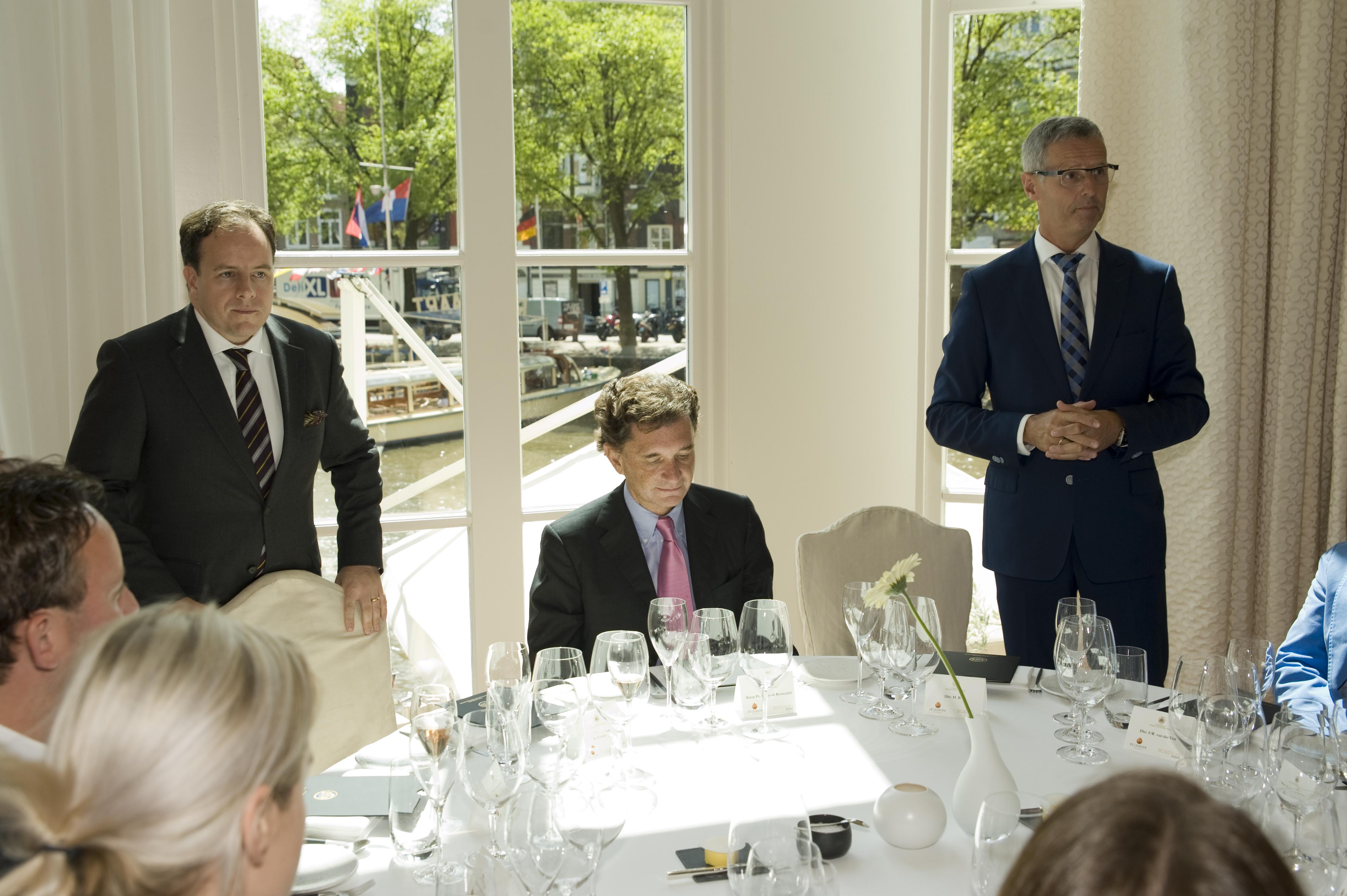 Column: Tafelen met baron Rothschild, de rijkste der aarde