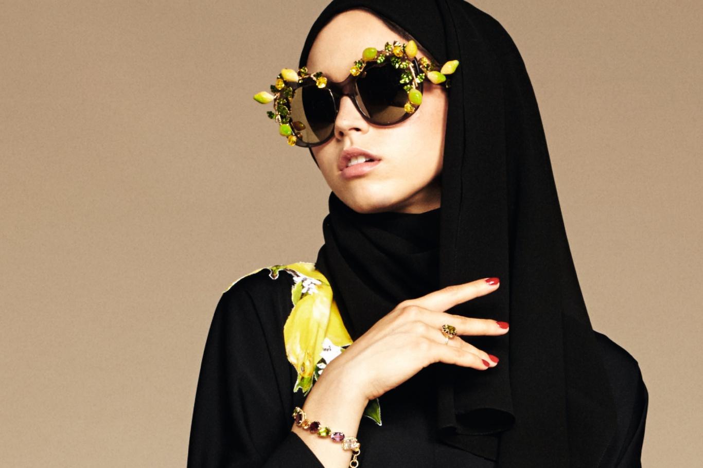 Nieuw! Dolce & Gabbana Midden Oosten: Hoofddoeken en abayas