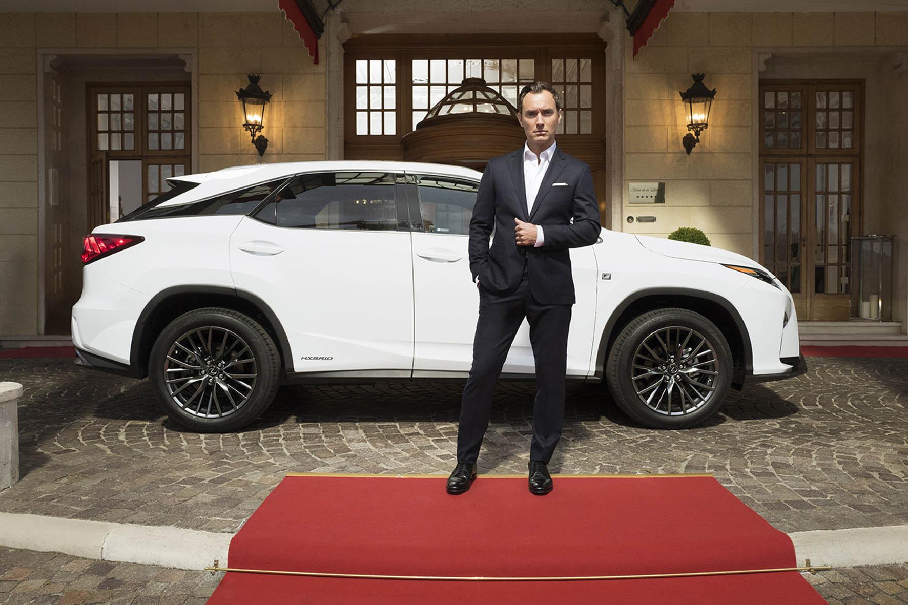 Glamourland Jude Law Lexus