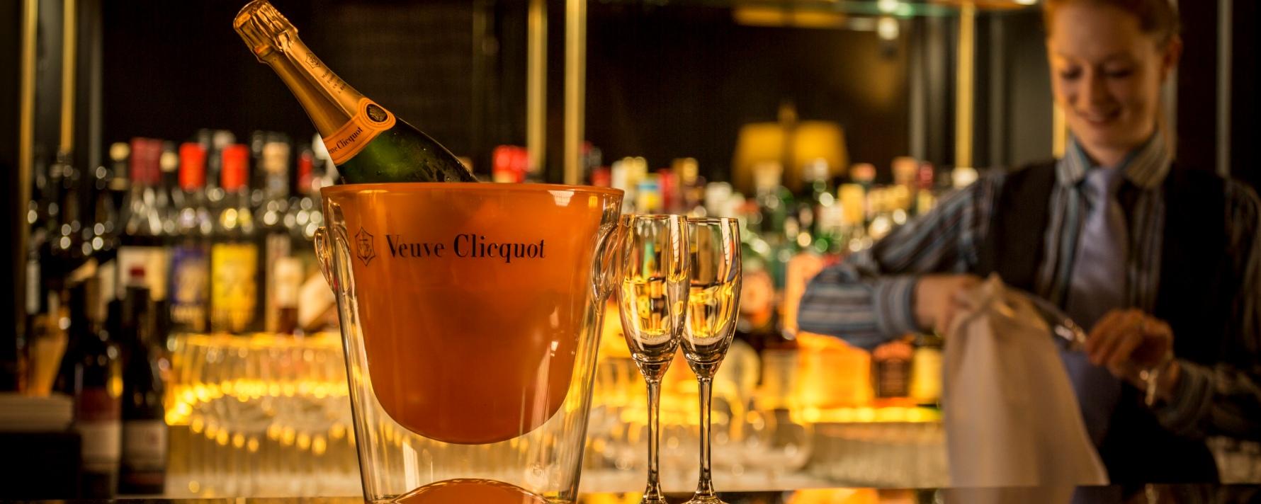 Glamourland bar champagne