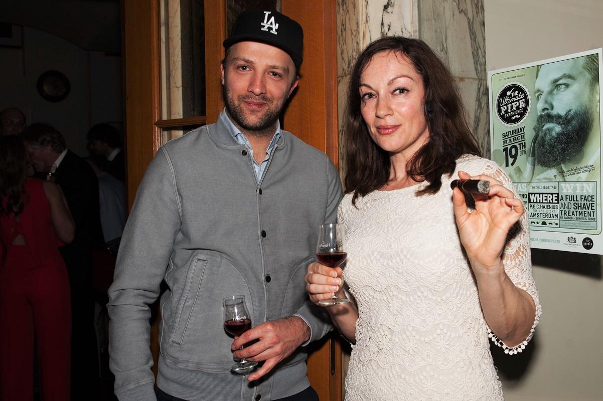Kunstenaar Frank E Hollywood en actrice Miryanna van Reeden