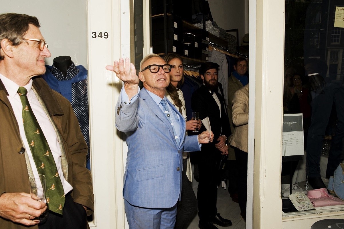 Couturier Ronald Kolk opent de boutique - Foto Martin van Os