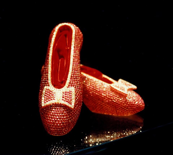 Glamourland-Winston-Ruby-slippers