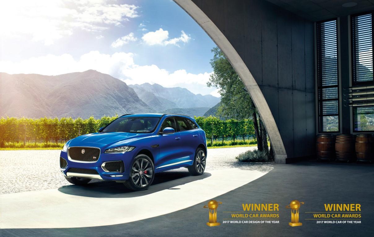 02-Jaguar_Gewonnen_beste_en_mooiste_auto_ter_wereld