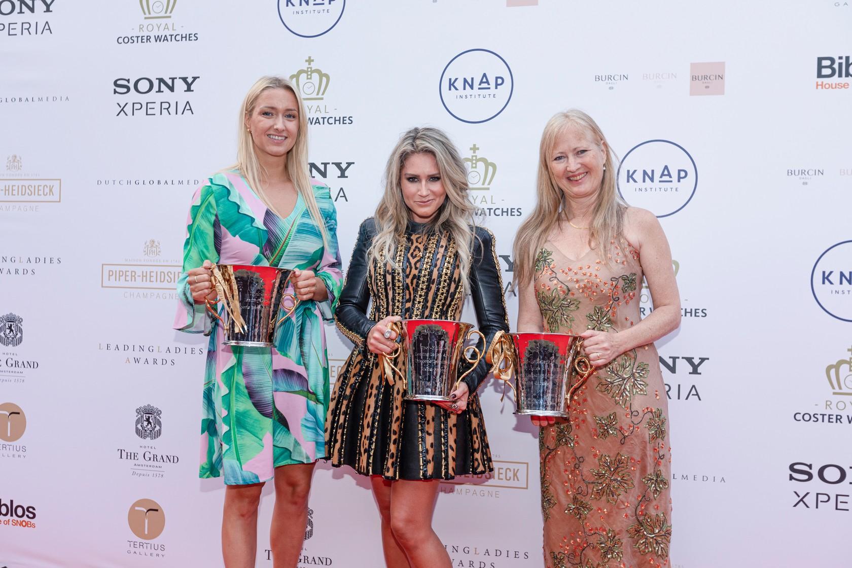 2.-Piper-Heidsieck-Leading-Ladies-Awards-Manon-van-Essen-Nikkie-Plessen-Sascha-Gabizon